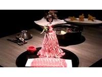 邊吃邊脫!芭比娃娃穿「肉片洋裝」 家長憂:像掀裙子