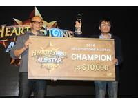 《爐石》明星賽Tom兵敗四強  中國Jason持幸運扇奪冠