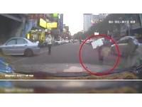 赤腳陪母撿回收...4歲童過馬路挨撞 鄰心疼:盼父振作