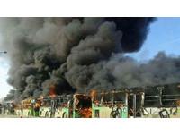 敘利亞5輛難民巴士整排被燒 濃濃黑煙掩蓋和平曙光