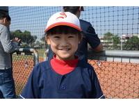 全隊唯一女生9歲尤思明超卡哇伊 熱愛棒球問題多