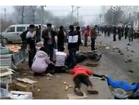 「哇!死一大片」...北京廂型車撞入市場4死 外媒聯想柏林恐攻