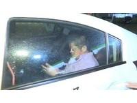 前立委張清芳子酒駕等紅燈睡著 賓士車掛過期立院證