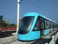 圖/水藍色淡水輕軌露臉! 最高時速70公里、可載265人