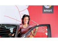 商業周刊/賓士女先鋒 從不懂車到救活一個車系