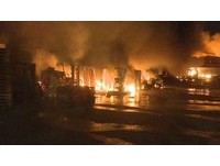 三星手機LG電器遭殃!「鏮瑞物流公司」林口5000坪倉庫燒毀