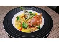 這盤麵有全蟹、海膽、魚子醬!銀器製造商改行開餐廳