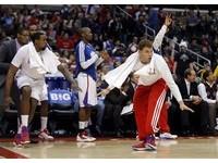 NBA/洛城兄弟迎16連勝 布萊恩:最強快艇隊!