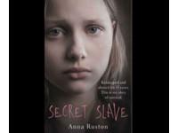 15歲英少女變性奴 賣淫13年遇初戀重生:4個孩子都被賣