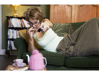 過年在家「追劇」很爽? 心理學家:容易憂鬱或更寂寞