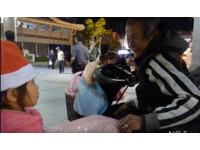 最暖聖誕!「柔柔小天使」準備10禮物 穿梭路上送街友
