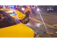開野馬跑車酒駕!25歲男撞爛2小黃 嗆警「打人」遭壓制