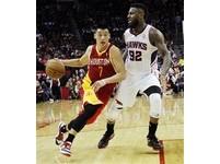 NBA/戴菲諾8成命中率 火箭6人上雙轟傻老鷹