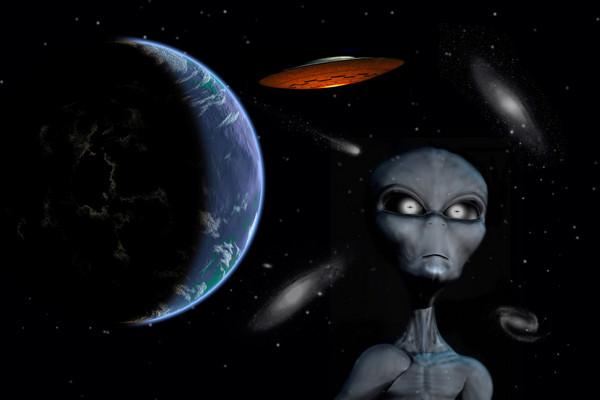 人类在10年前首度发现来自外太空的神秘电波,怀疑可能是外星人发出的