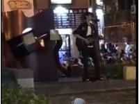 「鵝鵝鵝~」輪迴神曲!師大夜市吉他哥狂跳針 網友拳頭硬了