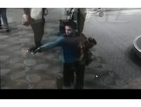 影片曝光!佛州機場殺手「掏褲射擊」 1秒狠擊發2子彈