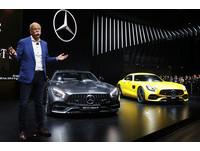 車廠搶著「進貢」川普?賓士BMW宣誓加碼投資美國