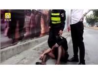 爛醉女被4「同事」撿屍 抬上車後…啪啪啪