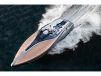 豪華遊艇植入跑車動力!Lexus真的造了一條「船」