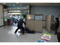 永康分局金融機構防搶演練 警民合作成功圍捕搶匪