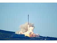 去年9月爆炸後 「獵鷹9號」再升太空...一次發射10衛星!