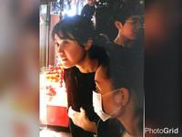 拍照時..口罩女「硬塞」搶鏡 韓籍夫妻逛寧夏夜市遭竊