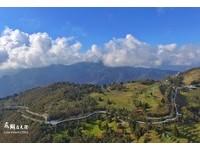 清境「高架景觀步道」超壯觀!空拍照就像1.2公里白巨蟒
