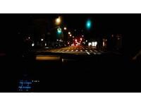 神人連過240個路口「全是綠燈」! 美小黃司機創紀錄