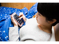 網路聊天成性侵溫床 愛講電話、親子互動變少是警訊