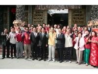 26地震台南安平天后宮捐款救災 賴清德上香感恩安平媽