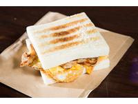 樂華夜市碳烤三明治超狂!「貓王三明治」折服高百合