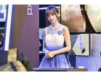 展場SG正妹神似妙麗 網友讚「天菜」直呼:我戀愛了