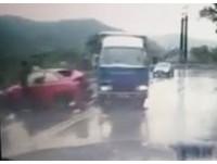 雨天飆蘇花「過彎逆向超」 30秒再見車尾燈…三寶撞爛GG