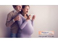 她挺大肚卻拿著驗孕棒好開心..網笑:不然肚子裡是腫瘤?