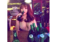 越南「深夜奶妹」寂寞喝酒 看似憂鬱的她卻有超猛私事