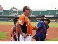 史普曼稱獅隊教練比賽玩手機? 馮勝賢:還需釐清狀況