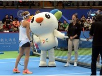 WTA台灣賽/打造球員專屬悠遊卡 吉祥物Bebe現身支持