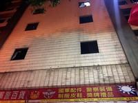 國軍英雄館窗戶掉落!砸中台北燈節路人 「開窗」導致