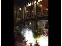 超有感!台南名餐廳玻璃「全碎」 網友嚇慘:不敢睡了