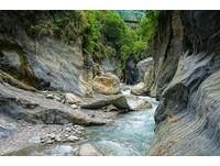 賞峽谷兼泡湯 太魯閣國家公園內唯一「野溪溫泉秘境」