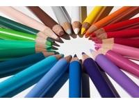 白色誠實、藍色知性... 喜歡的顏色看出「你的個性」