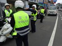 南市警二分局加強清除道路障礙 交通整理路人更順暢