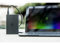 Razer行動電源登場:12,800mAh、可充筆電還有QC 3.0!
