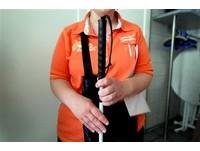 導盲杖被當「步槍」 警察拿5萬伏特電擊槍「電趴」盲人