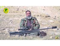 打過5次戰爭!63歲「銀髮狙擊手」 2年殲滅321名IS