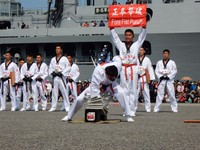 海軍敦睦遠航訓練支隊安平港停泊 吸引民眾參觀