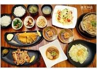 台中平價日式定食 還有自助吧飲料、小菜任吃!