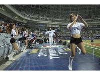 韓國正妹「火辣應援」好吸睛 長腿啦啦隊成另類焦點