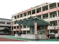 台灣學生「超早上課」有卦? 精銳國軍躺著又中槍了!