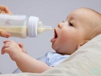 為什麼會對牛奶粉過敏?專家告訴你牛奶、母乳的差異